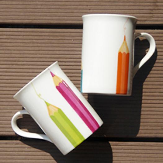 mugs- crayons